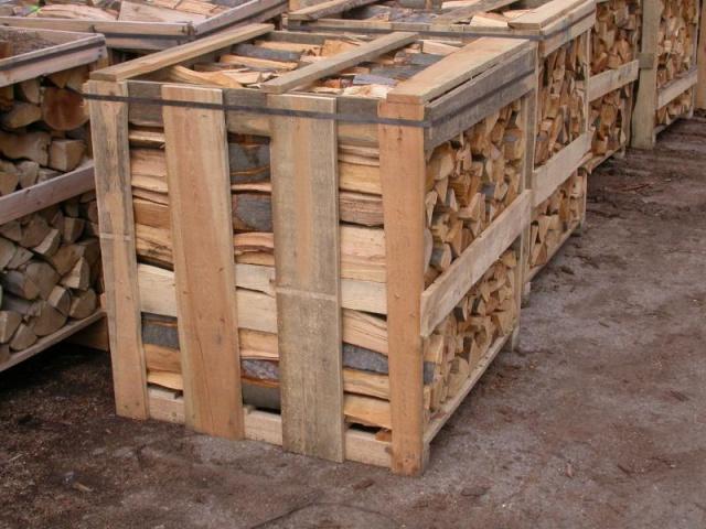 Skládané palivové dřevo